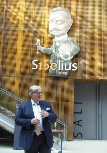Puheenjohtaja Erkki Korhonen ja säveltäjämestari kohottavat maljan tulevalle juhlavuodelle!